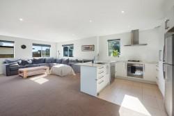 8 Seafort Lane, Silverdale, Rodney, Auckland