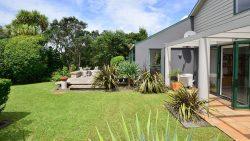 254 & 254a Beach Road, Campbells Bay, North Shore City, Auckland