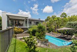 27 Sanctuary Point, Farm Cove, Manukau City 2012, Auckland