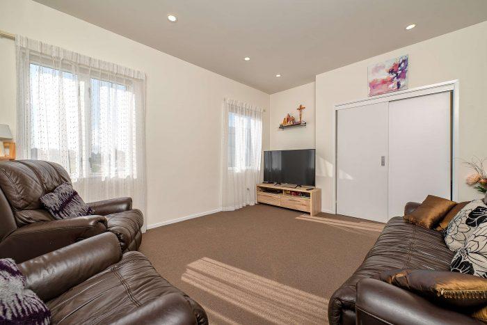 9 Stitchbird Crescent, Papakura, Papakura 2110, Auckland