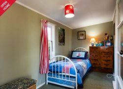 24 Wellwood TerraceTe Awanga 4102, New Zealand