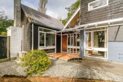 451 Stokes Valley Road, Stokes Valley, Lower Hutt, Wellington, 5019, New Zealand
