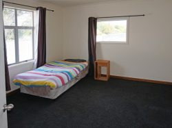 124 Newcastle Street, Windsor, Invercargi­ll, Southland, 9810, New Zealand