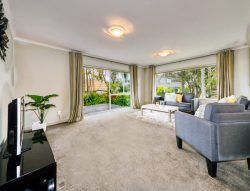 18 Seacrest Drive, West Harbour, Waitakere City, Auckland, 0618, New Zealand