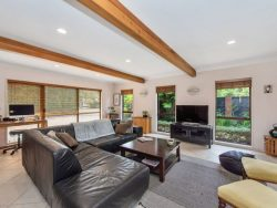 32 Cooper Place, Chedworth Park, Hamilton, Waikato,3210, New Zealand