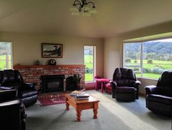 1737 Collingwoo­d-Puponga Main Road, Collingwoo­d, Tasman, Nelson / Tasman, 7073, New Zealand