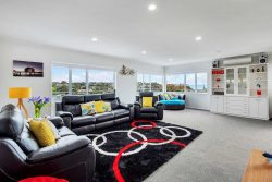 1/15 Newhaven Terrace Mairangi Bay, Mairangi Bay, North Shore City, Auckland, 0630, New Zealand