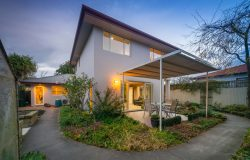 33a Locarno Street, Opawa, Christchur­ch City, Canterbury, 8023, New Zealand