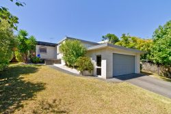 22 Palmgreen Court, Stanmore Bay, Rodney, Auckland, 0932, New Zealand