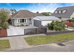 120 Pine Avenue, South New Brighton, Christchur­ch City, Canterbury, 8062, New Zealand