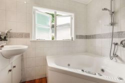 51 Rutherford Terrace, Meadowbank­, Auckland City, Auckland, 1072, New Zealand