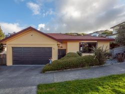 35 Waverton Terrace, Churton Park, Wellington­, 6037, New Zealand