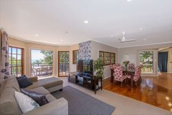 456 Whangaparaoa Road, Stanmore Bay, Rodney, Auckland, 0932, New Zealand