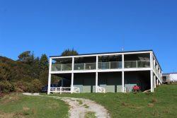 181 Takaka-Collingwood Highway, Takaka, Tasman, Nelson / Tasman, 7182, New Zealand