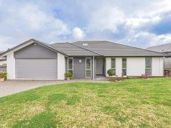 5 Lithgow Drive, Otamatea, Wanganui, Manawatu / Wanganui, 4500, New Zealand